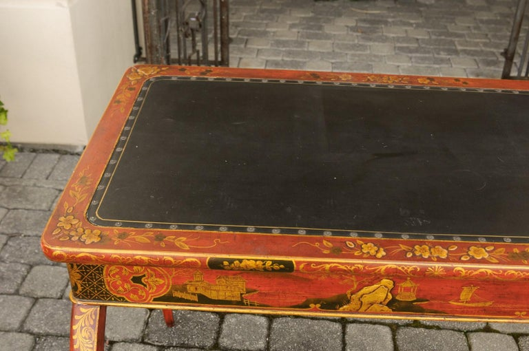 English Regency 1820s Table with Red Lacquered, Gold and Black Chinoiserie Decor For Sale 1