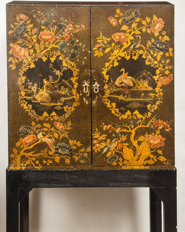 British English Regency Lacquered Cabinet on Stand For Sale