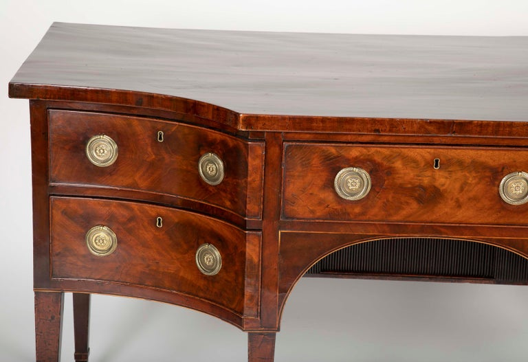 English Regency Mahogany Sideboard In Good Condition For Sale In Stamford, CT