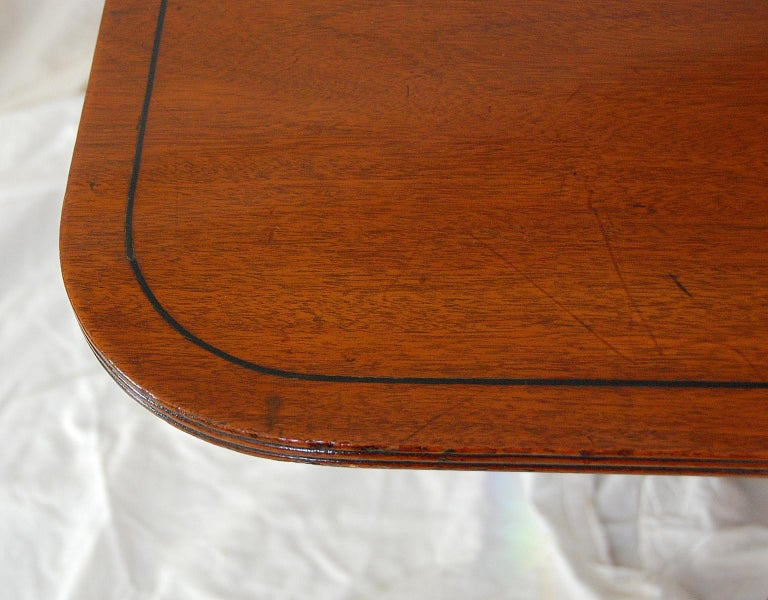 18th Century English Regency Period Mahogany Single Pedestal Dining or Breakfast Table For Sale