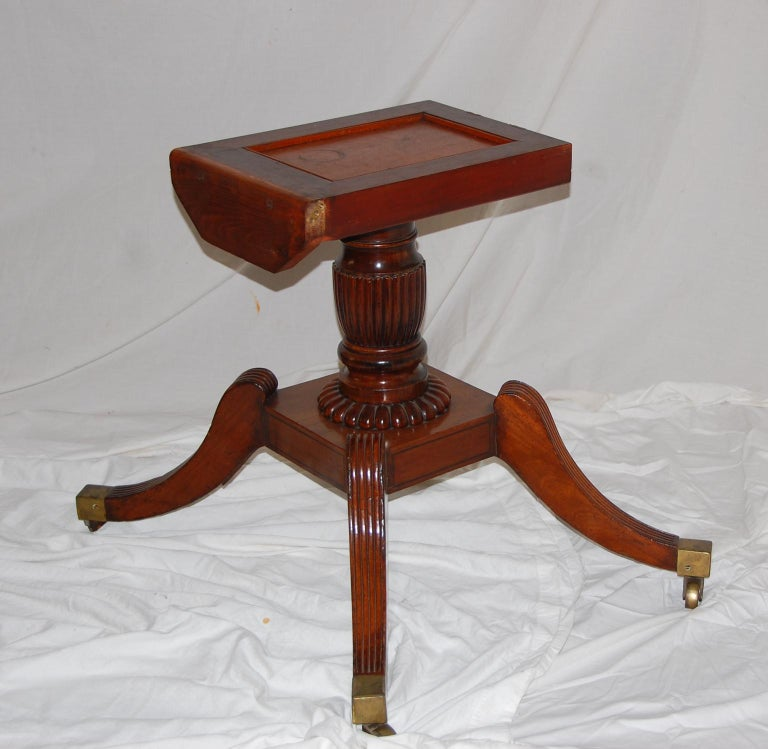 English Regency Period Mahogany Single Pedestal Dining or Breakfast Table For Sale 4
