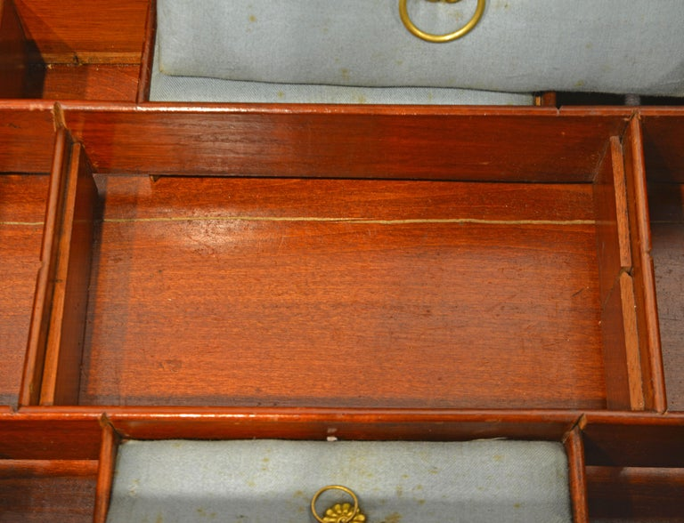 English Regency Satinwood and Mahogany Table Box with Fitted Interior Circa 1820 For Sale 7
