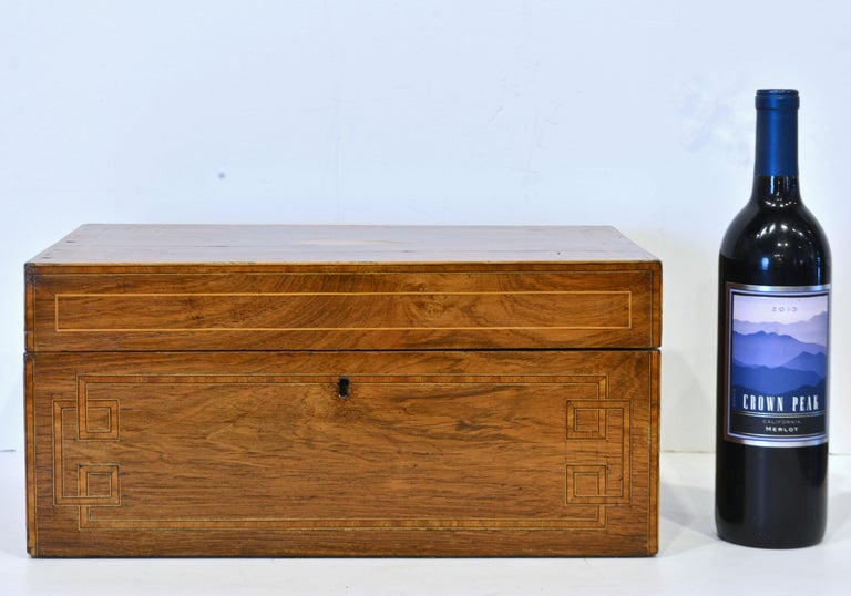 English Regency Satinwood and Mahogany Table Box with Fitted Interior Circa 1820 In Good Condition For Sale In Ft. Lauderdale, FL