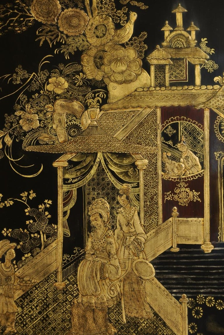 20th Century English Regency Style Black Lacquered and Gold Chinoiserie Decorated Cabinet For Sale
