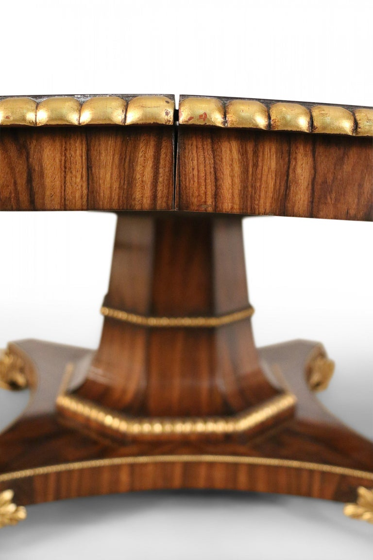 English Regency Style Mahogany and Giltwood Round Center Table In Good Condition For Sale In New York, NY