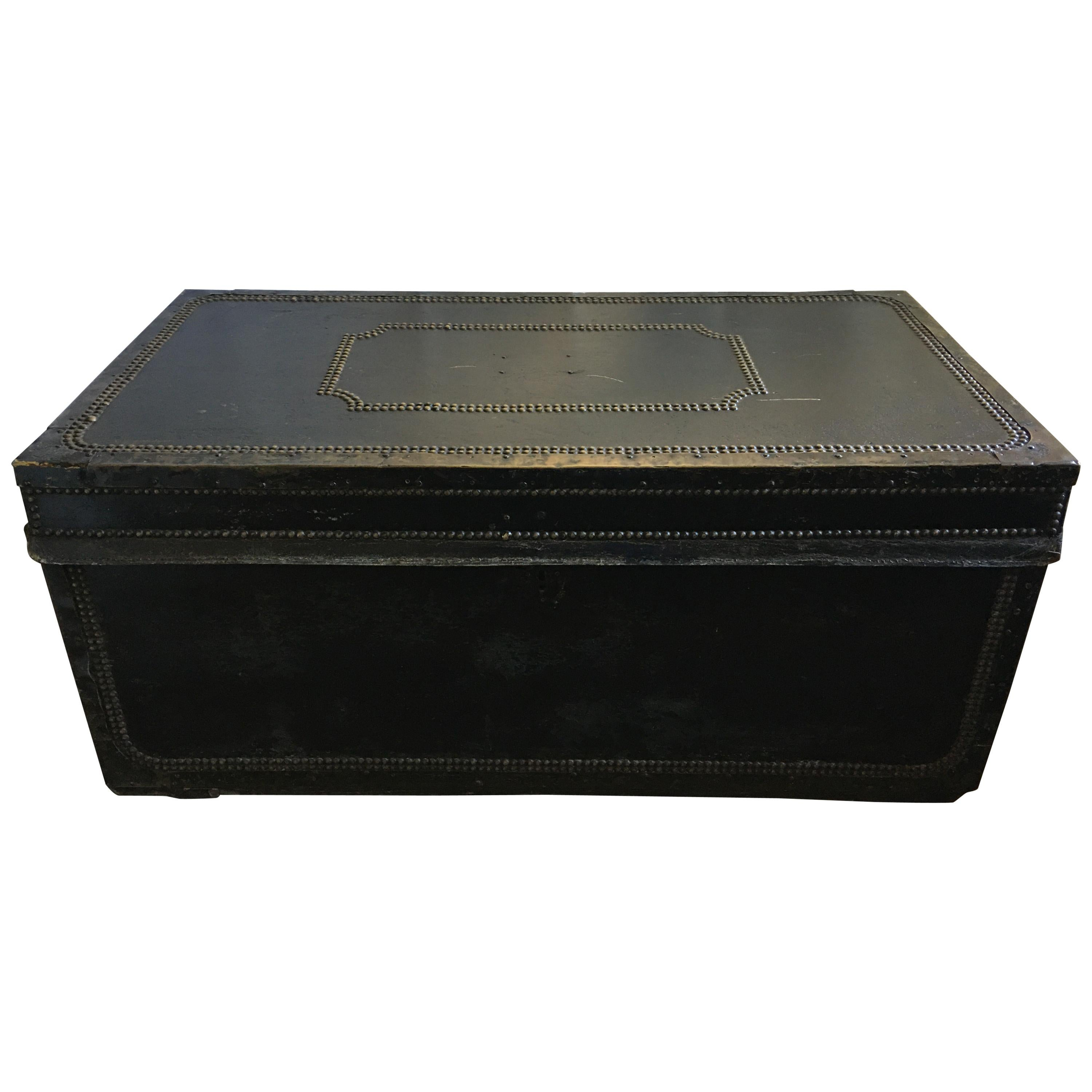 Picture of: English Regency Traveling Metal Trunk With Decorative Nail Heads 19th Century For Sale At 1stdibs