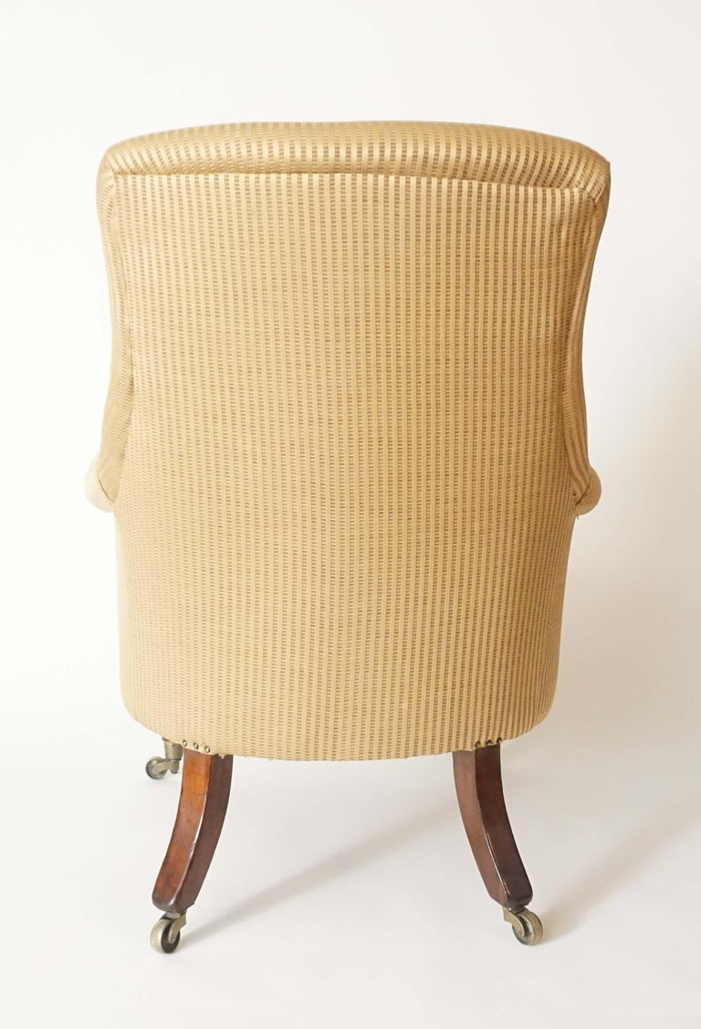 English Regency Upholstered Armchair of Large Size, circa 1830 In Good Condition For Sale In Kinderhook, NY