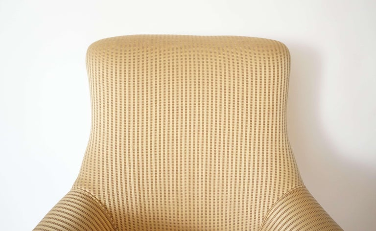 English Regency Upholstered Armchair of Large Size, circa 1830 For Sale 2