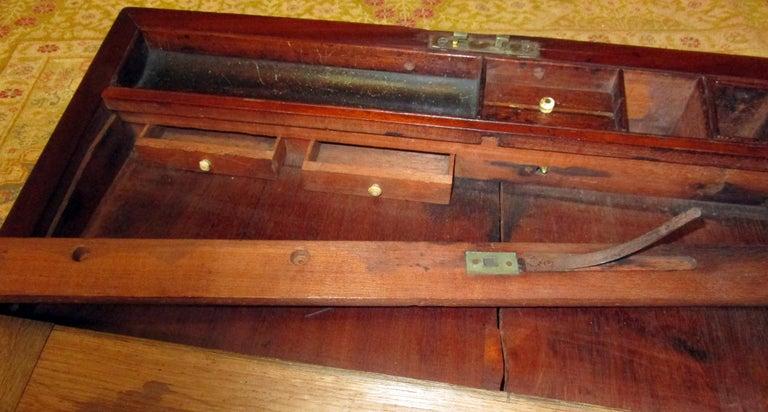 English Regency Walnut Travelling Lap Desk Box with Secret Compartment For Sale 8
