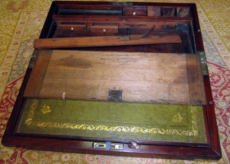 English Regency Walnut Travelling Lap Desk Box with Secret Compartment For Sale 9