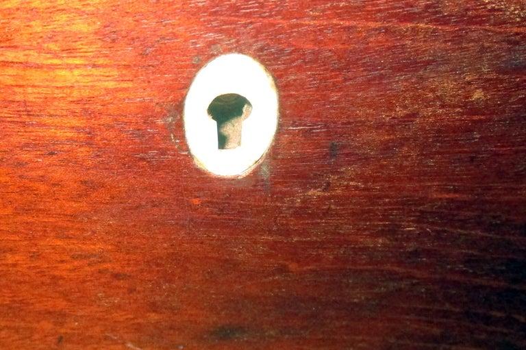 English Regency Walnut Travelling Lap Desk Box with Secret Compartment For Sale 2