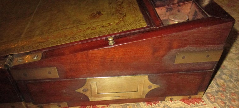 English Regency Walnut Travelling Lap Desk Box with Secret Compartment For Sale 4