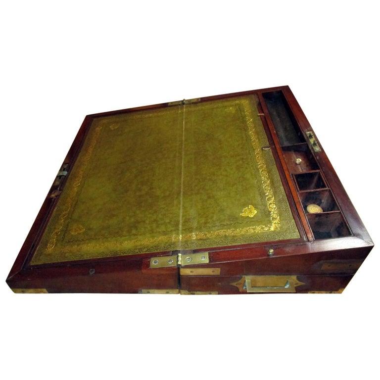 English Regency Walnut Travelling Lap Desk Box with Secret Compartment For Sale