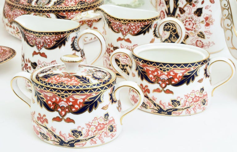 English Royal Crown Derby Complete Service for Twelve People For Sale 2