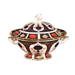 English Royal Crown Derby Porcelain Tureen with Old Imari 1128 Pattern