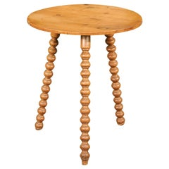English Rustic 1880s Pine Cricket Tables with Round Top and Bobbin Legs