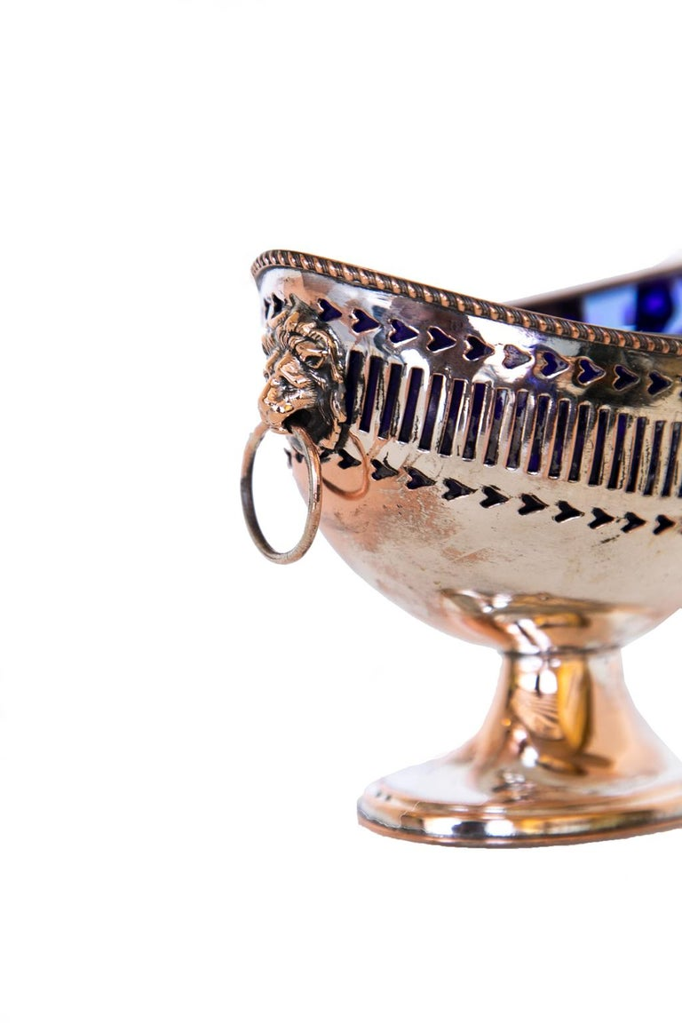 English Sheffield Master Salt Cellar In Good Condition For Sale In Wilson, NC
