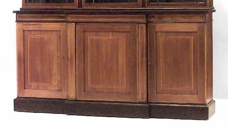 English Sheraton Style Breakfront Cabinet In Good Condition For Sale In New York, NY