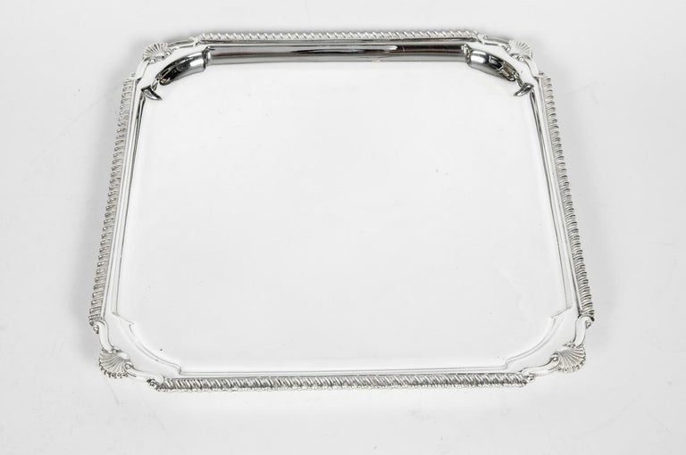English Silver Plate Barware / Serving Footed Tray In Excellent Condition For Sale In Hudson, NY