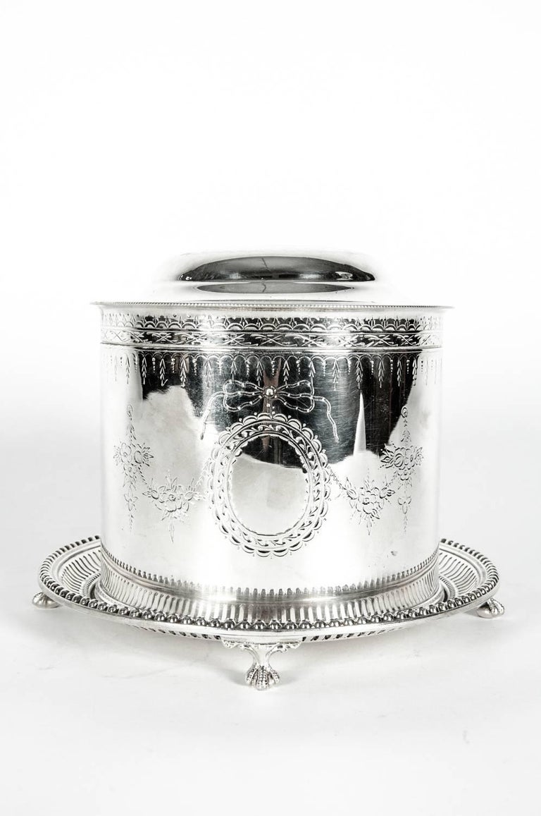 English Silver Plate Covered Biscuit Box / Tea Caddy For Sale 4