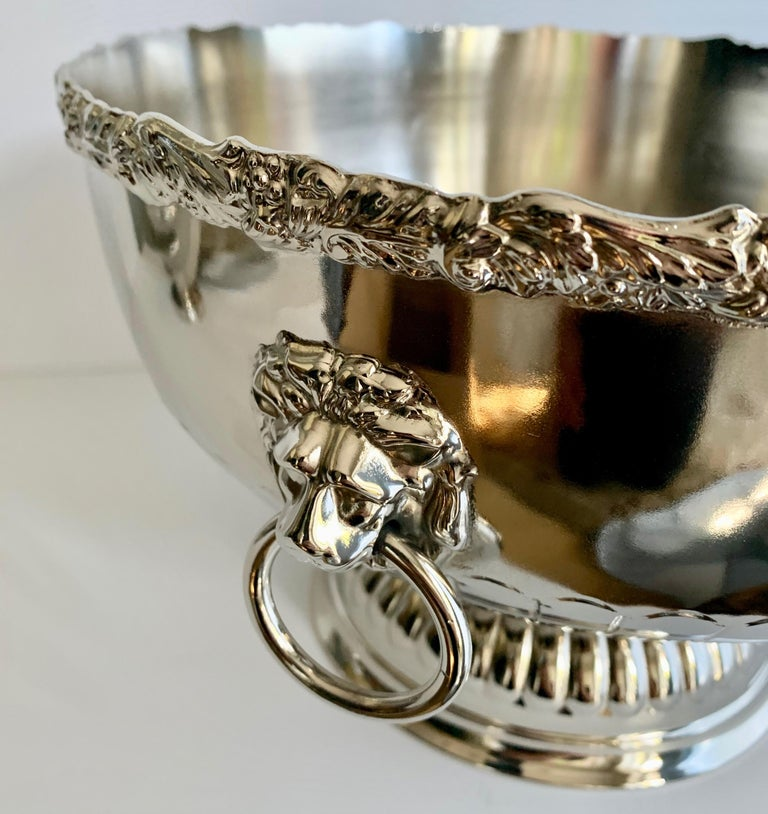 English Silver Punch Bowl with Rim and Lion Handle Details In Good Condition For Sale In Los Angeles, CA