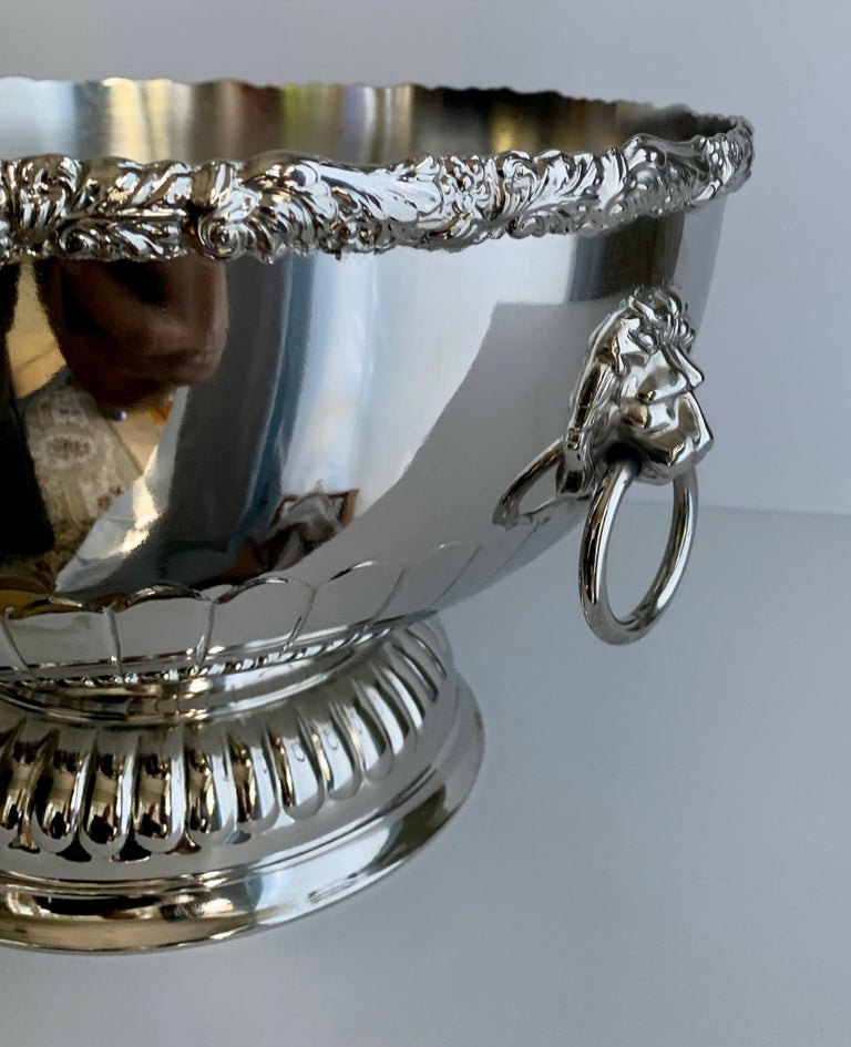 20th Century English Silver Punch Bowl with Rim and Lion Handle Details For Sale