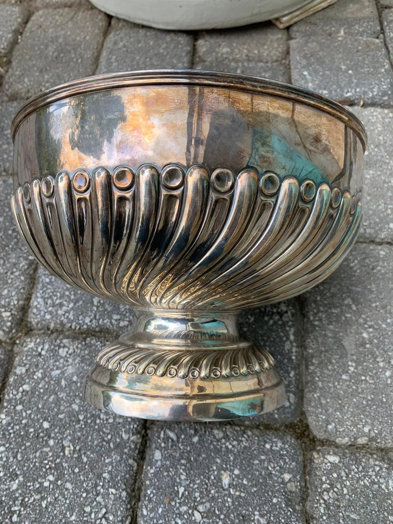 Mid-20th Century English Silvered Punch Bowl/Centerpiece by Mappin & Webb, circa 1930s For Sale