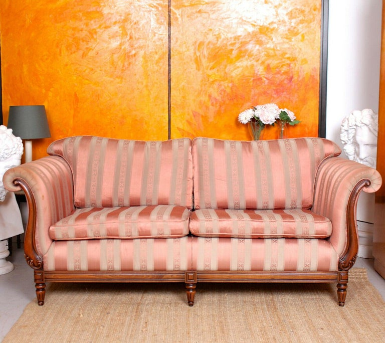 English Sofa 3-Seat Carved Mahogany Couch In Good Condition For Sale In Newcastle upon Tyne, GB