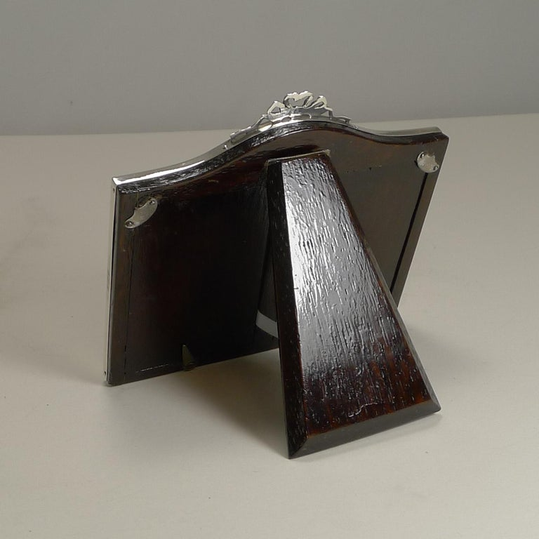 English Sterling Silver Double Photograph / Picture Frame, 1921 In Good Condition For Sale In London, GB