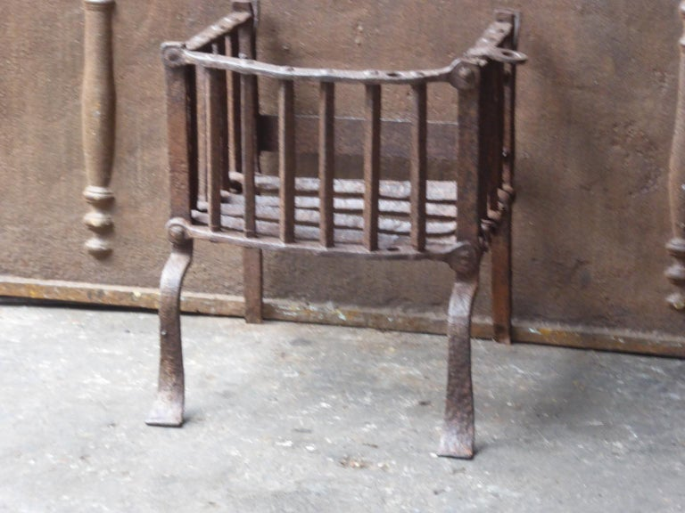 Gothic English Tudor Fireplace Grate or Fire Basket, 17th Century For Sale