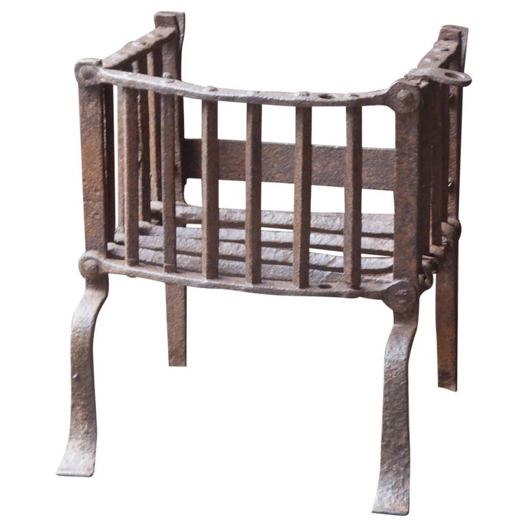 English Tudor Fireplace Grate or Fire Basket, 17th Century For Sale
