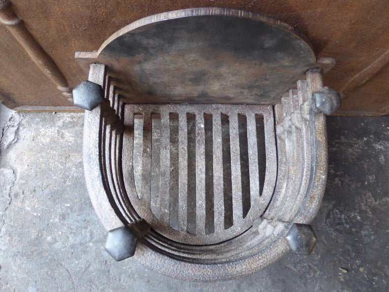 English Victorian Fireplace Grate, Fire Basket For Sale 4