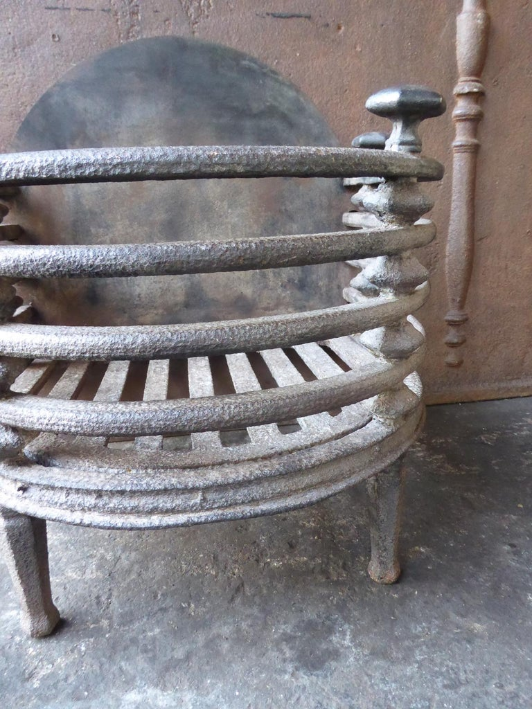 English Victorian Fireplace Grate, Fire Basket For Sale 7