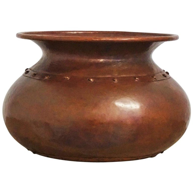 English Victorian Handcrafted Copper Pot or Vase with Rivets For Sale