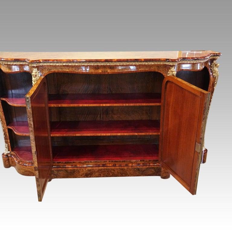 English Victorian Inlaid Burl Walnut Side Cabinet Credenza, circa 1870 For Sale 2