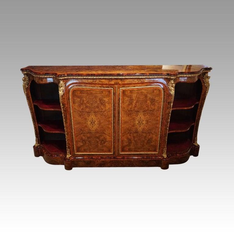 English Victorian Inlaid Burl Walnut Side Cabinet Credenza, circa 1870 For Sale 3