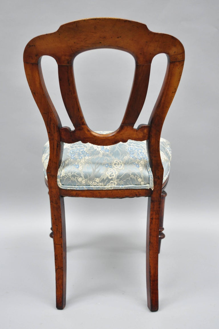 English Victorian Mahogany Balloon Back Dining/Library Side Chairs Set of Four For Sale 8