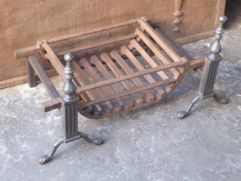 English Victorian Style Fireplace Grate, Fire Grate For Sale 3