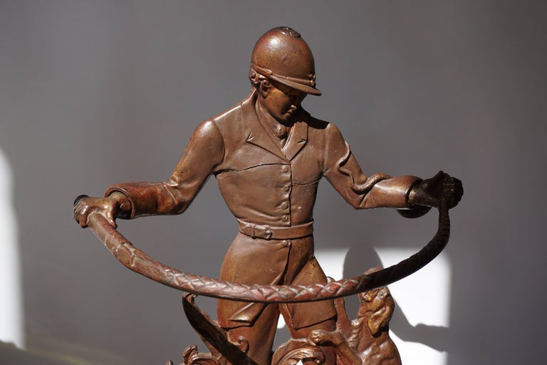 English Victorian Umbrella Stand Representing  a Hunter with his Dog In Good Condition For Sale In Antwerp, BE