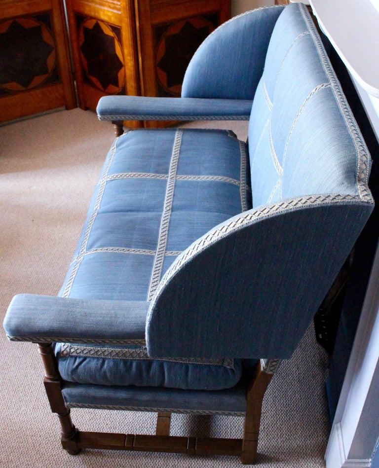 English Walnut Settee by Morant & Co., Bond Street, Provenance Cowdray Park For Sale 1