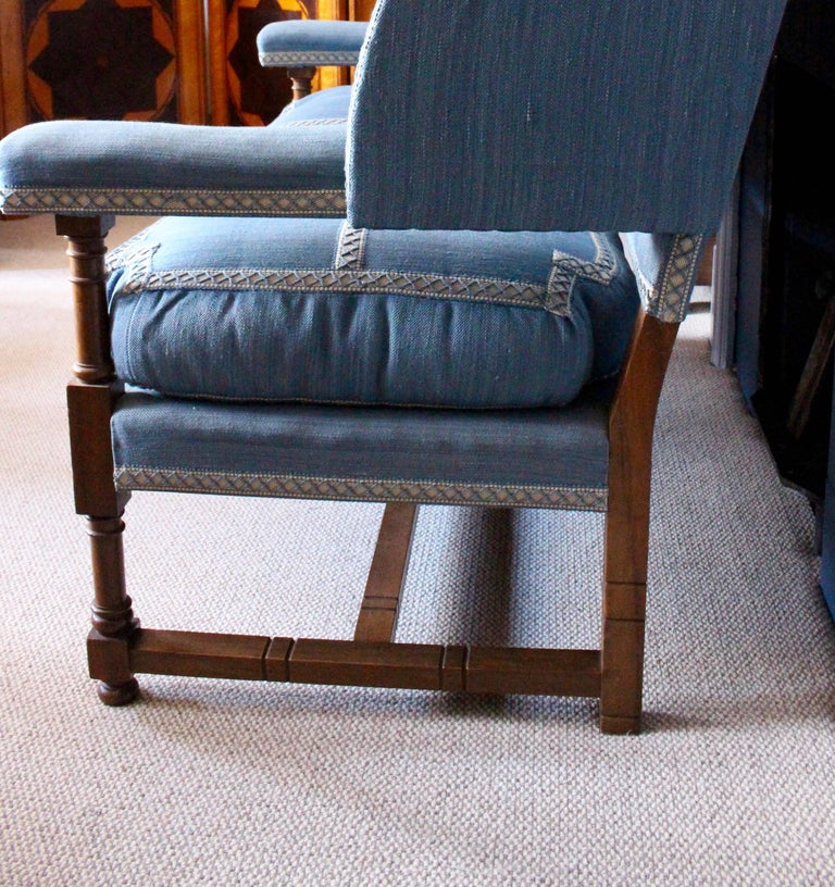 English Walnut Settee by Morant & Co., Bond Street, Provenance Cowdray Park For Sale 2