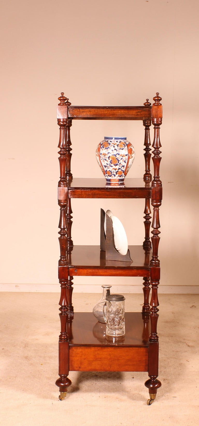 English Whatnot 19th Century in Mahogany In Good Condition For Sale In Brussels, Brussels