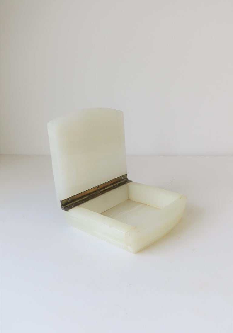 English White Onyx Marble and Brass Jewelry Box For Sale 5