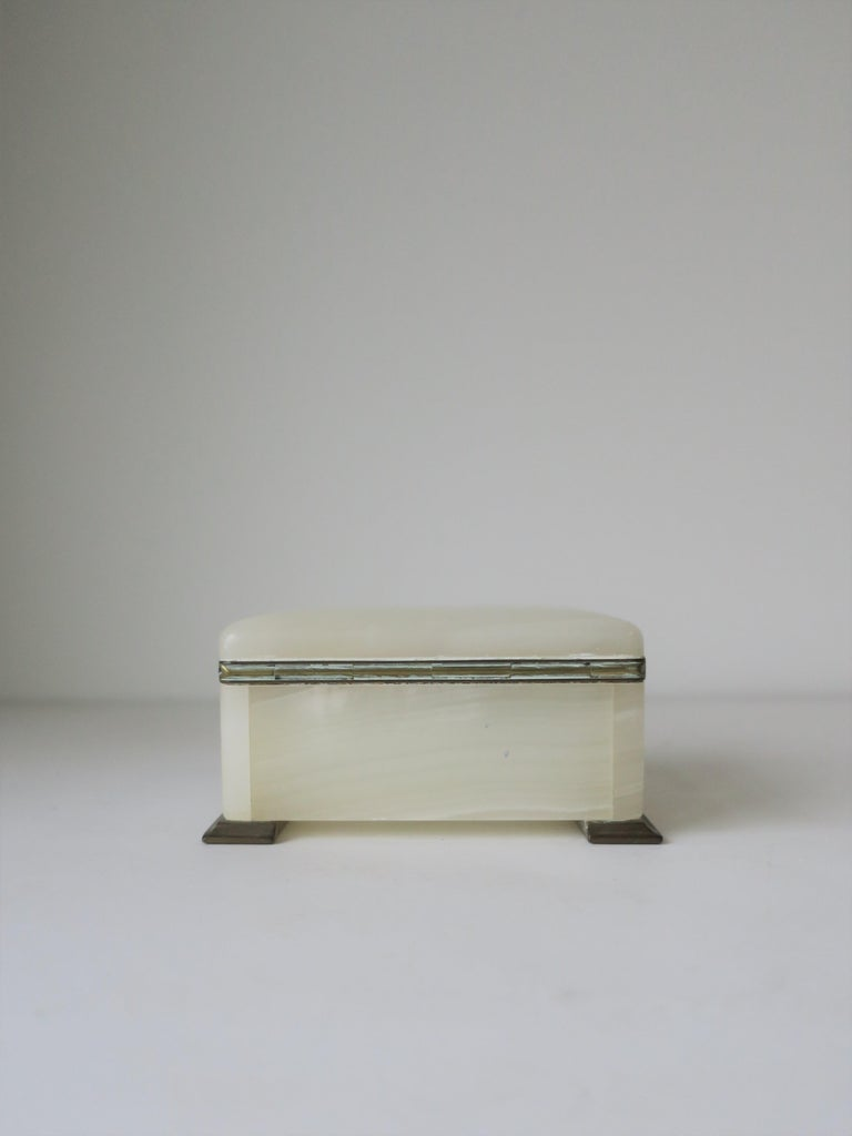 English White Onyx Marble and Brass Jewelry Box For Sale 9