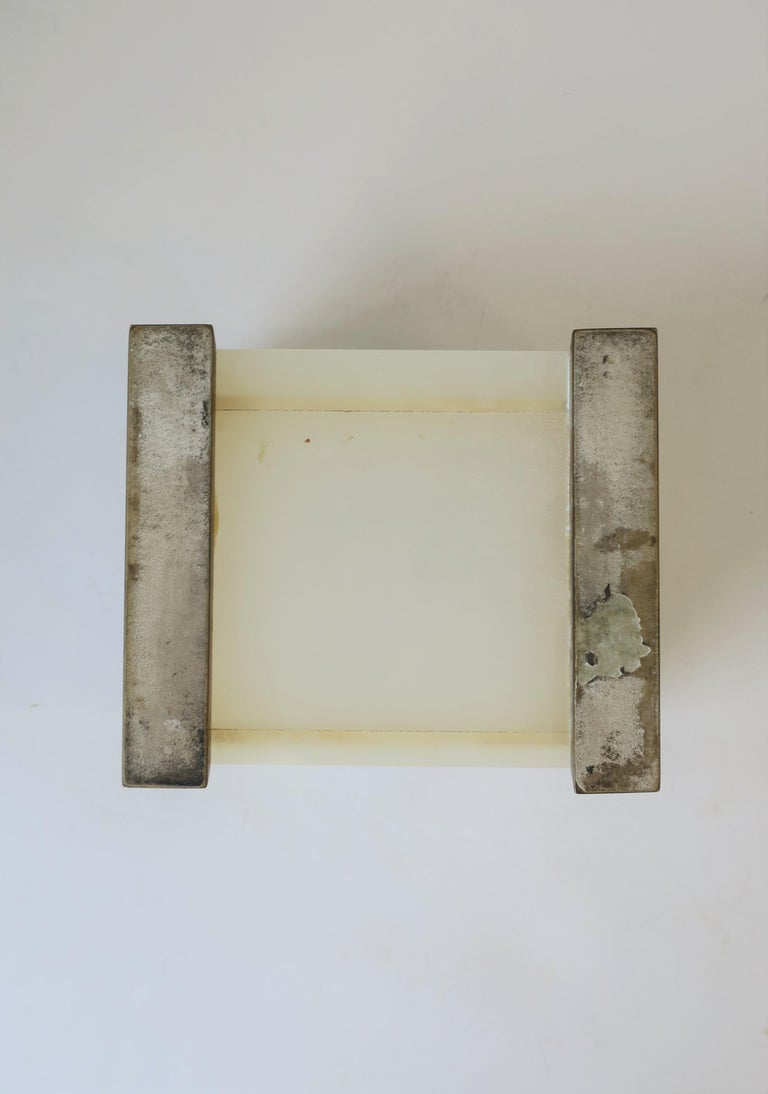 English White Onyx Marble and Brass Jewelry Box For Sale 10