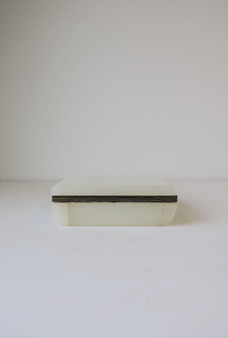 English White Onyx Marble and Brass Jewelry Box For Sale 13