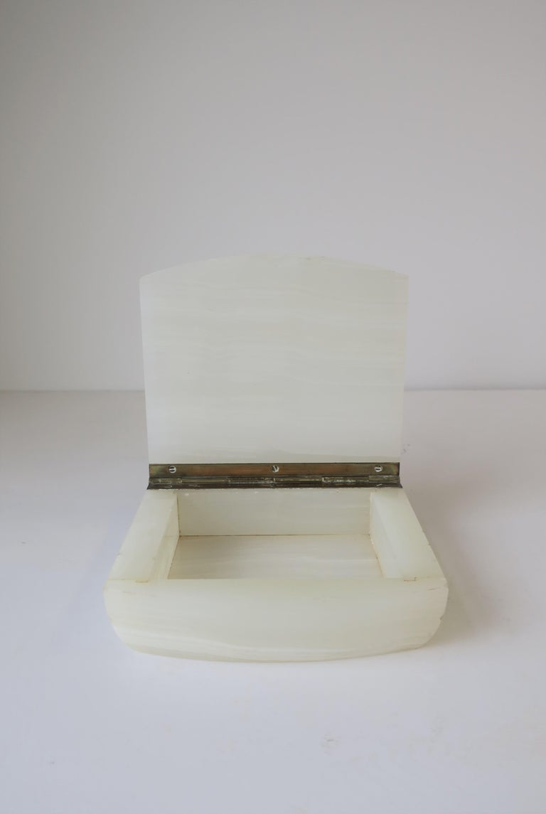English White Onyx Marble and Brass Jewelry Box For Sale 1