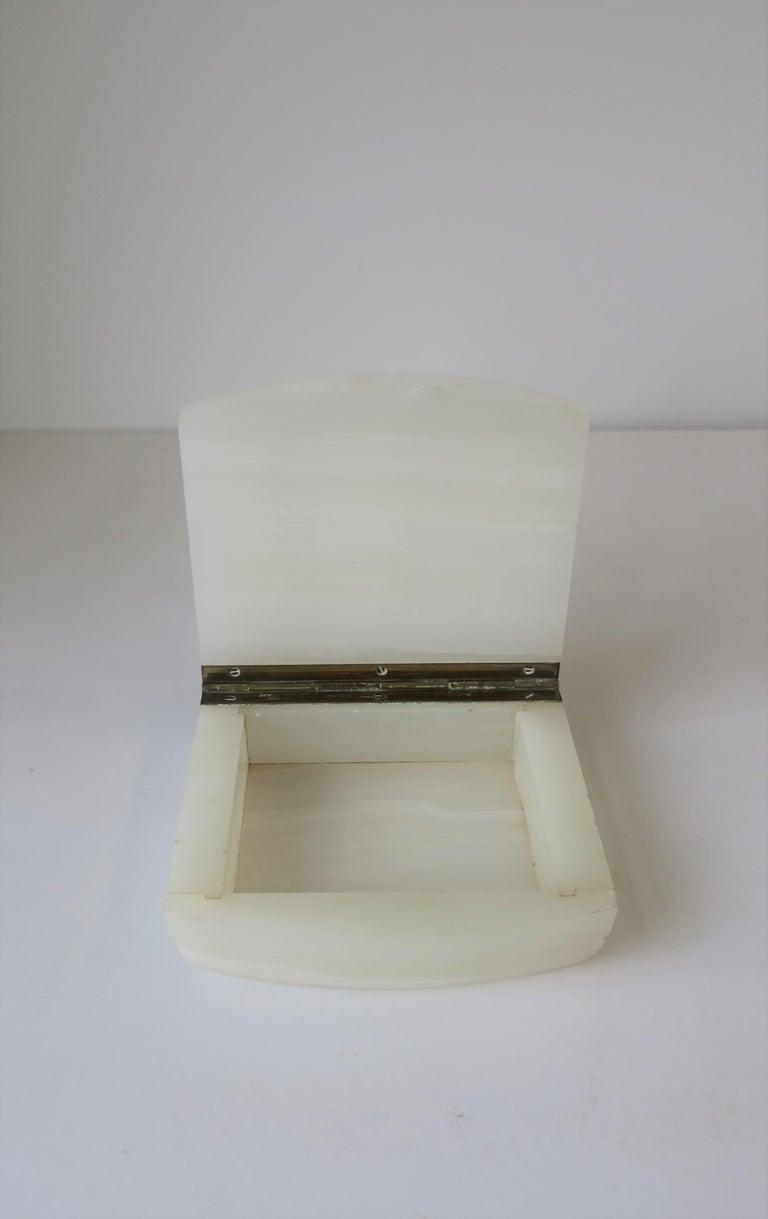 English White Onyx Marble and Brass Jewelry Box For Sale 3