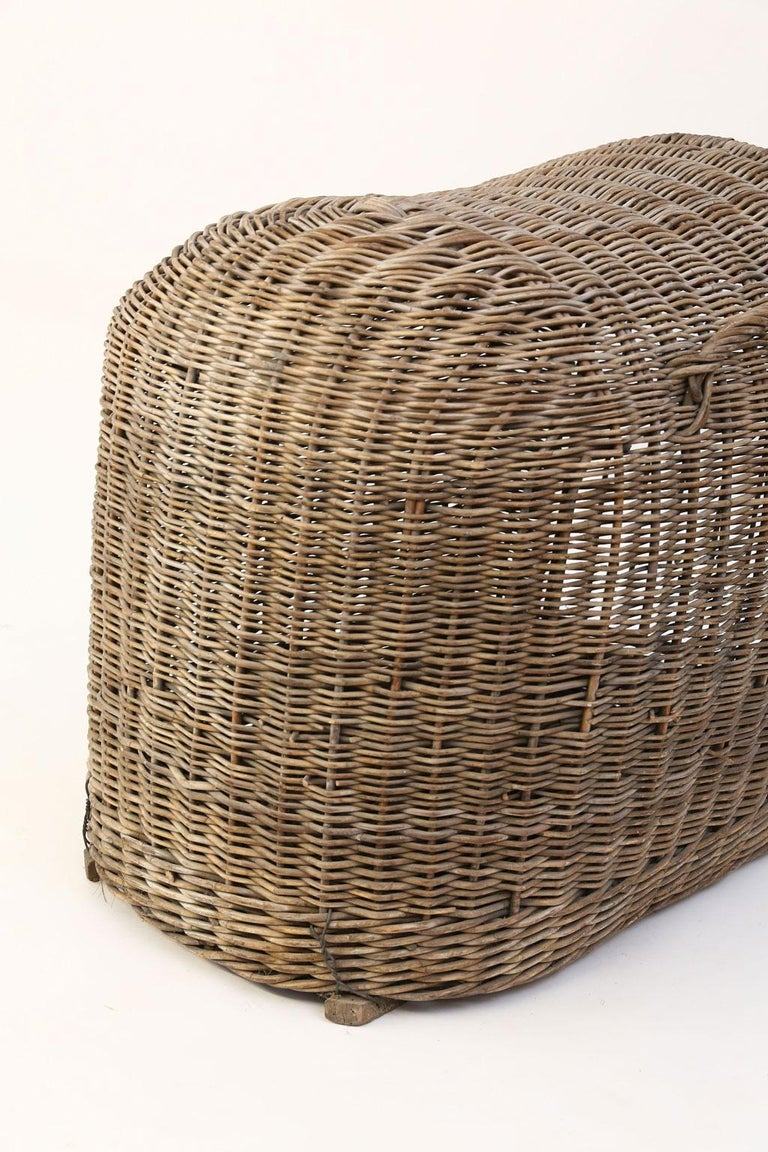 Early 20th Century English Brown Wicker Dog Kennel Basket For Sale