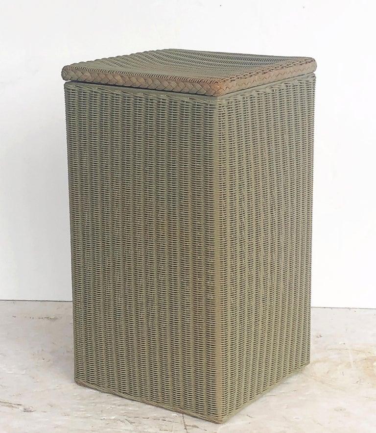 English Wicker Garden Square Linen Hamper by Lloyd Loom For Sale 2